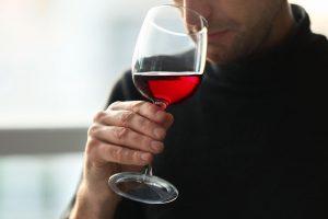 Hướng dẫn cách uống rượu vang đúng cách nhất